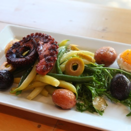 Pulpo Salad Nicoise - Photo by Beth Clauss